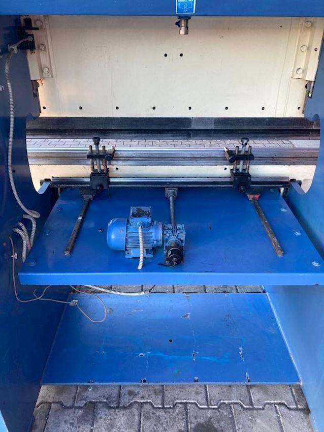 2000mt x 2mm Özmak 2011 Model Press Brake with Plc Controlled Back Gauge Motor
