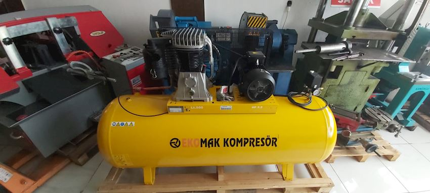 500 Liter 5,5 HP Bar Compressor