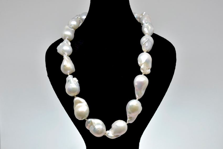 Ahsen Natural White Baroque Pearl Necklace With 14K Gold Clip