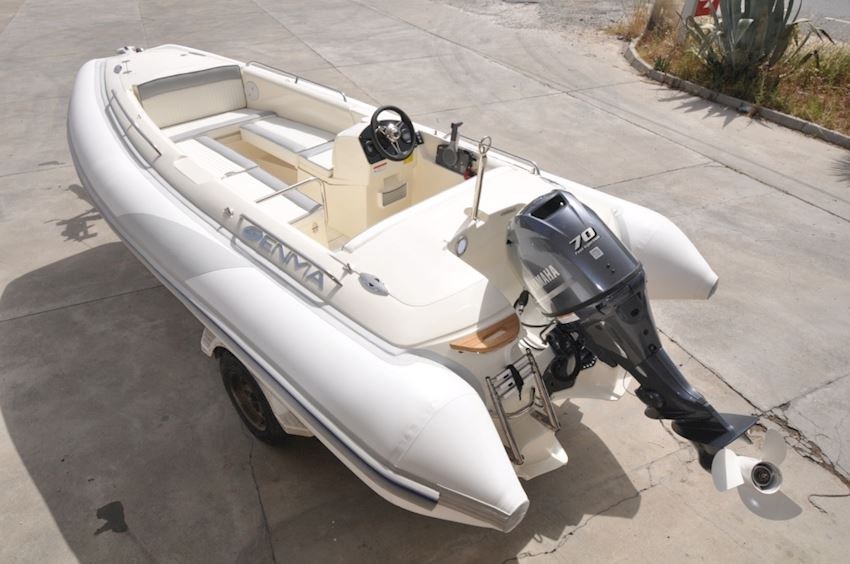ENMA 490 D-LUX Boats