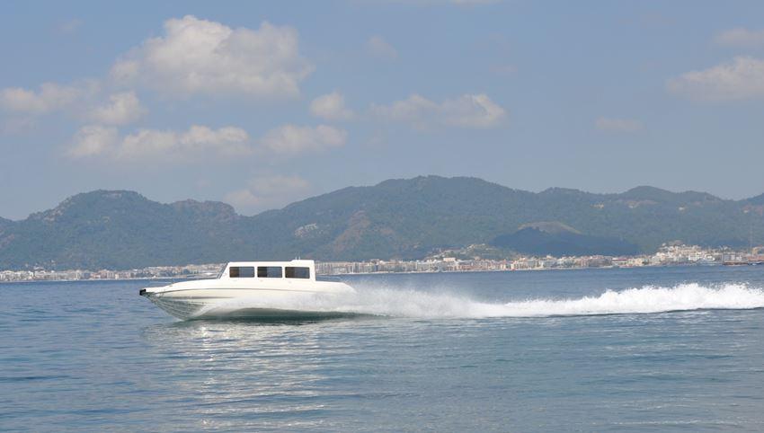 ENMA 900 TAXI BOAT Boats