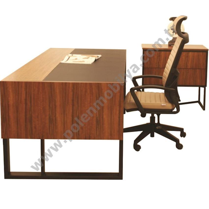 Executive Table with Shelf: 240x210x75h