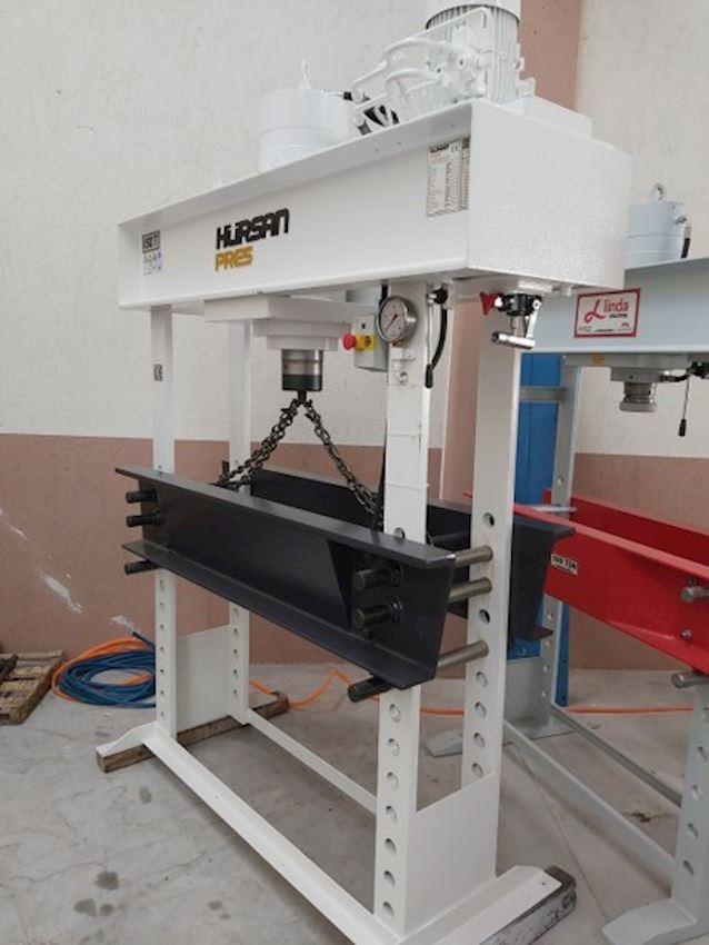 Hydraulic Workshop Press with 150 Ton Mobile Head Arm Motor