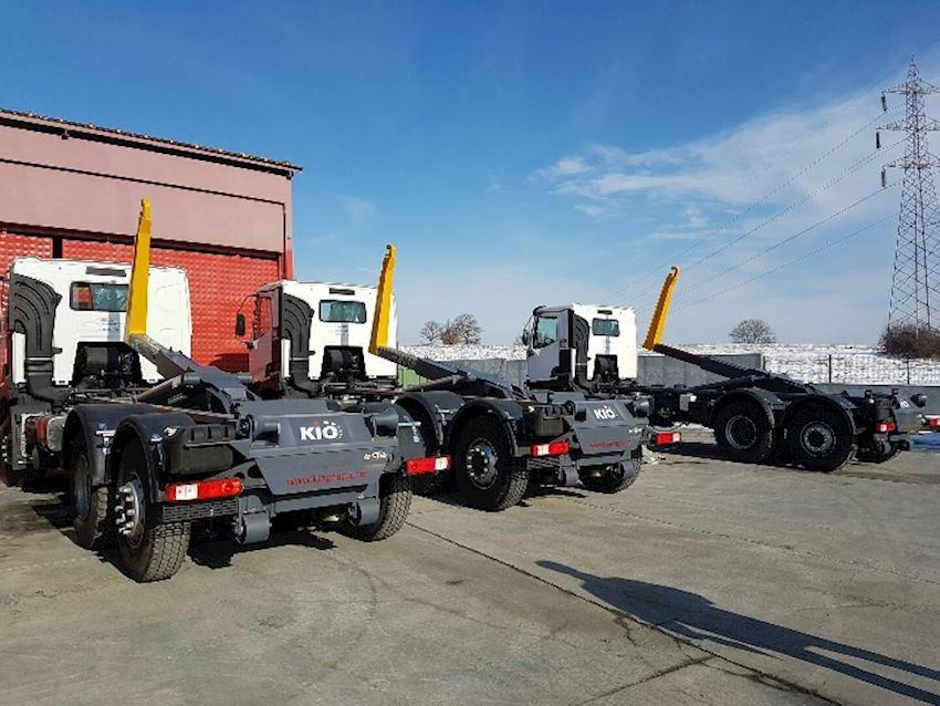 KIO Dumpsters Hooklifts