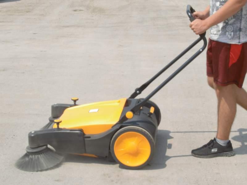 Manual Push Sweeping Machines