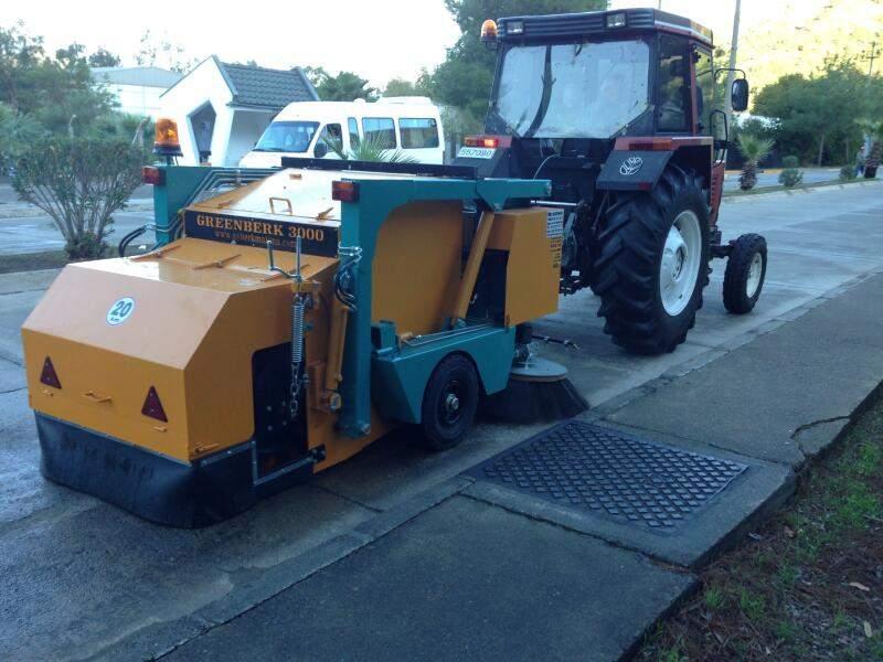 Mechanical Road Sweeping Machines