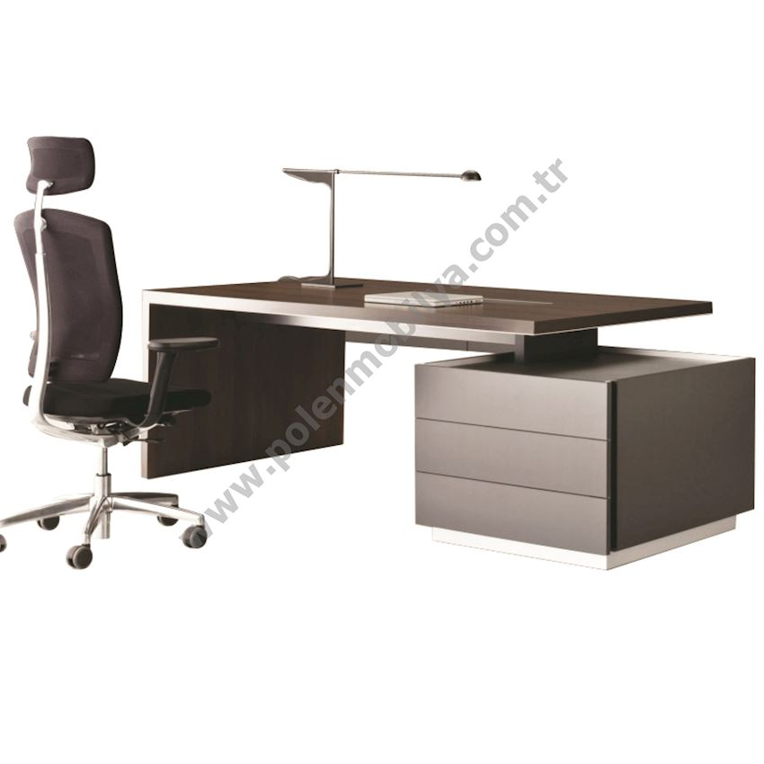 Natural Wooden Coated Executive Desk: 240x180x75h