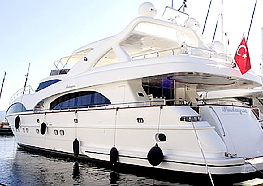 PACKAGERS MOTOR YACHTS