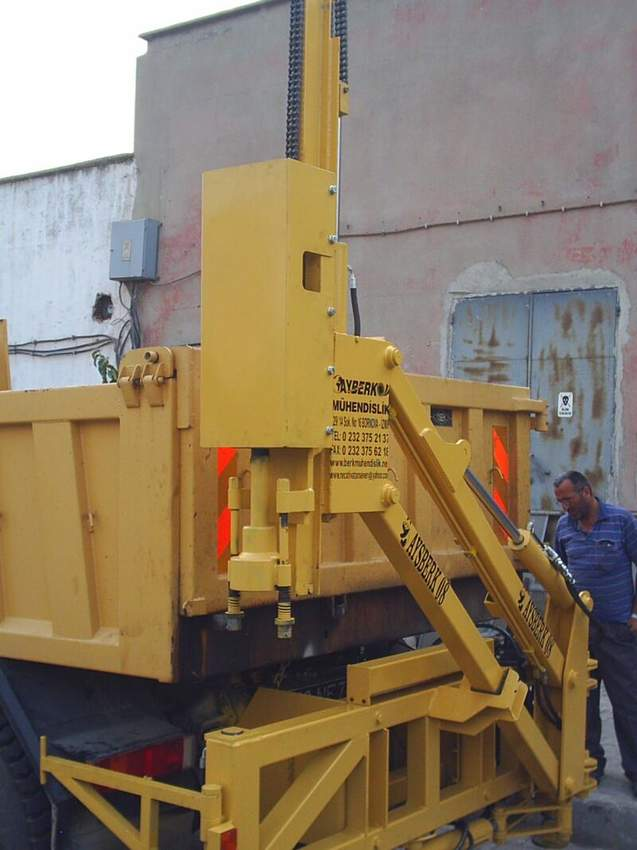 Plate, Pile Driving And Removing Machine