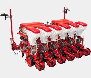PNEUMATIC SEEDER WITH DISC
