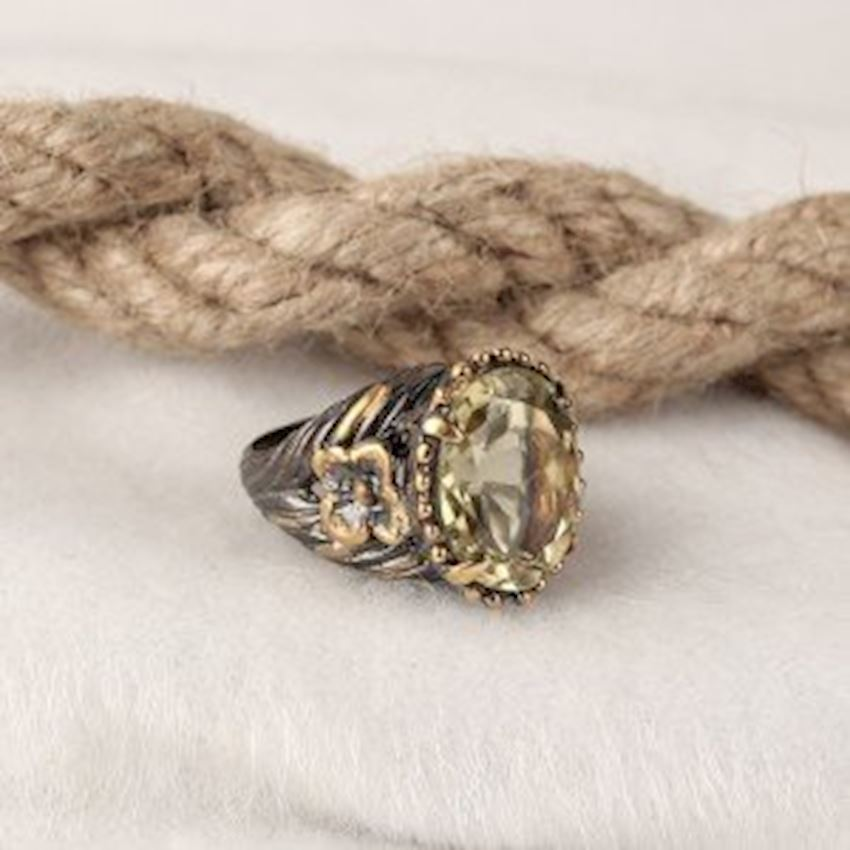 Topaz Handcrafted Women's Silver Ring
