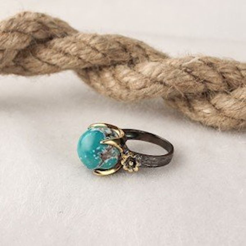 Turquoise Stone Lapping Handcrafted Silver Ring