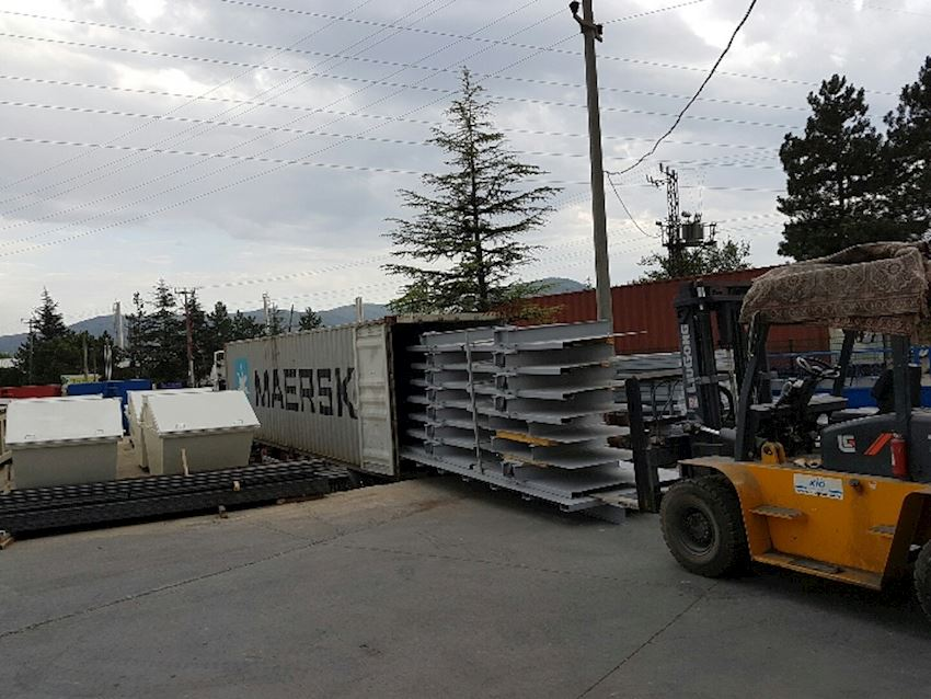 Un-assembled Roll Container Front walls