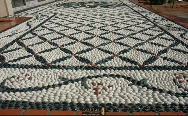 Vertical Artistic Pebble Mosaic