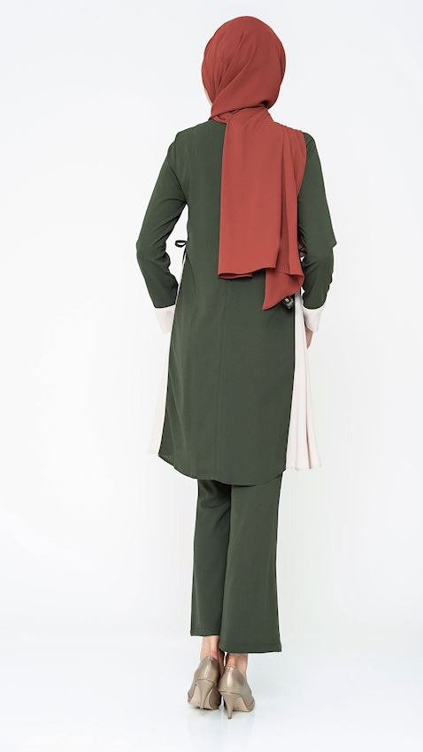 Women's Green Suit for Hijab with Pants and Brooch Details